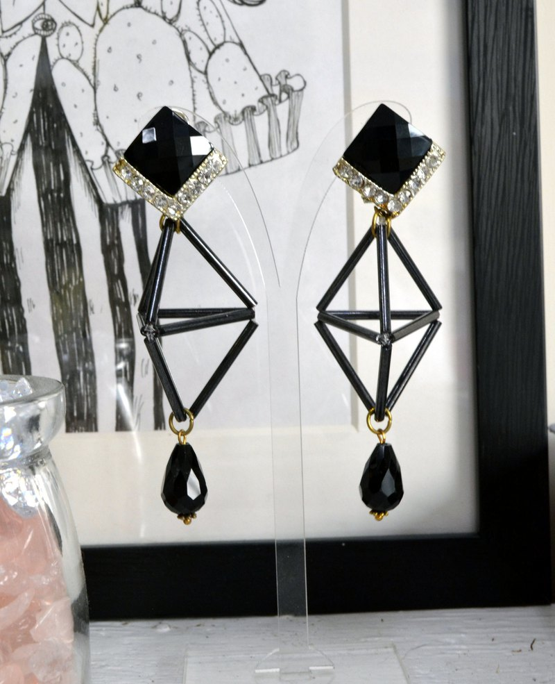 TIMBEE LO black glass tube beaded geometric three-dimensional shape earrings