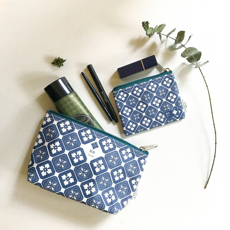 Cosmetic Bag ∣ Blue&White Spring