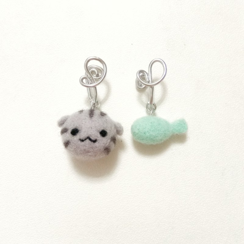 Customized order cat earrings