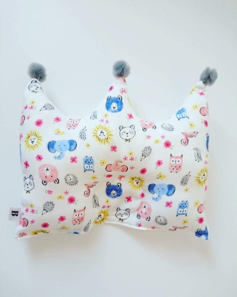 Bonbon baby double-sided crown gauze pillow _ animal models