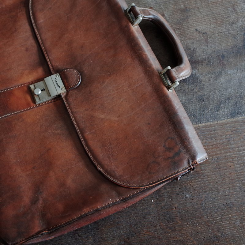 "i santi"""" brown / / vegetable tanned leather / / cowhide / / classic / / portable / / briefcase / / antique old pieces"