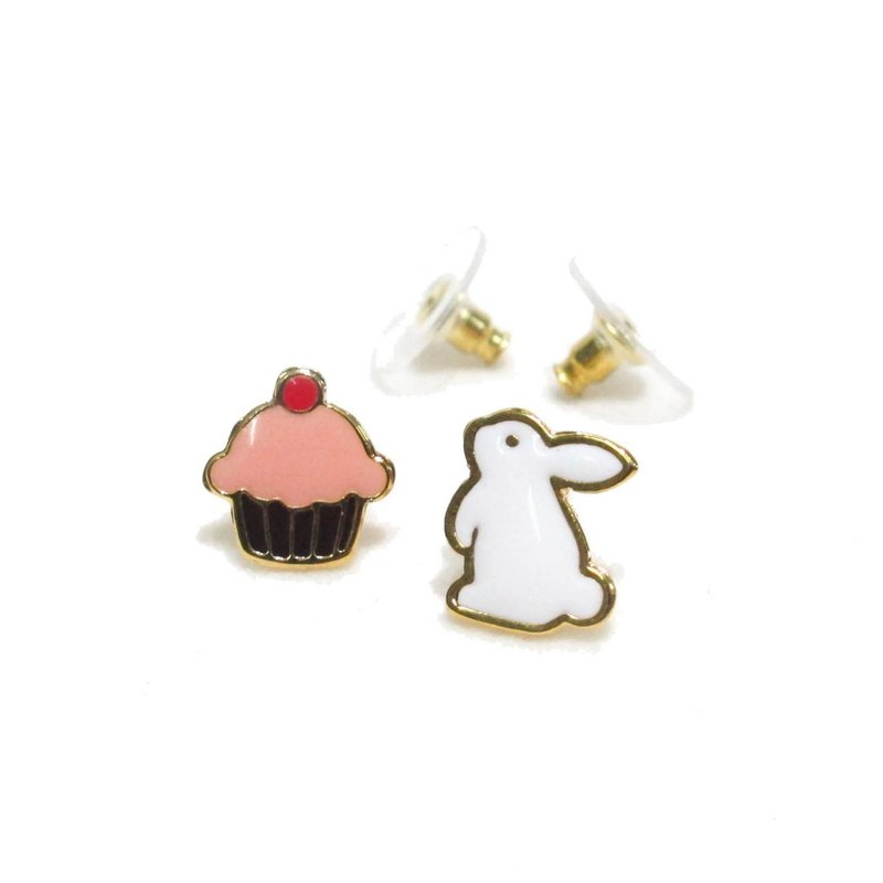 Teatime Rabbit with cupcake Earring