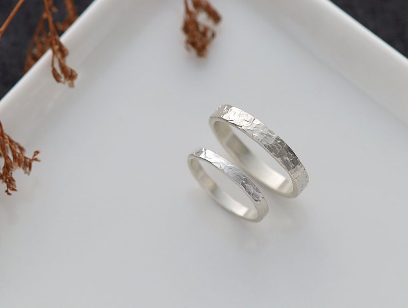 Ni.kou irregular silver lines couple ring