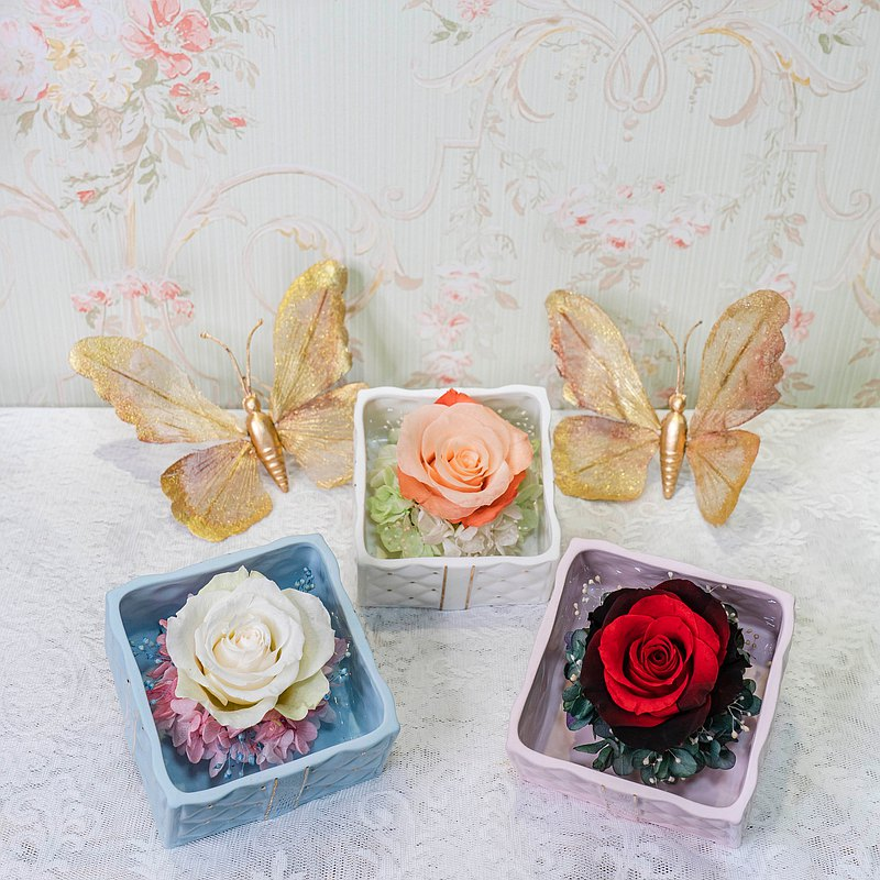 【一人成班】蝴蝶結永生玫瑰花禮 附下午茶