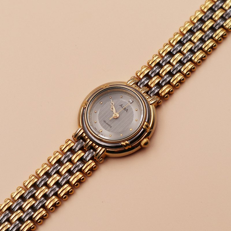 ALBA Rhinestone Antique Quartz Watch