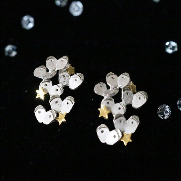 Garden White Mob Monsilomobu / Earrings PA 349
