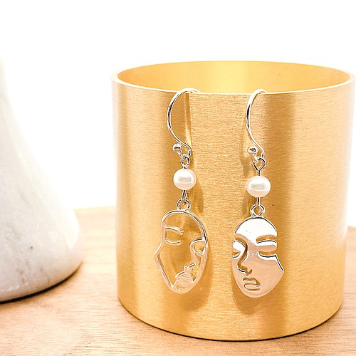 Lady Face Silver 925 & Fresh Water Pearl Earrings