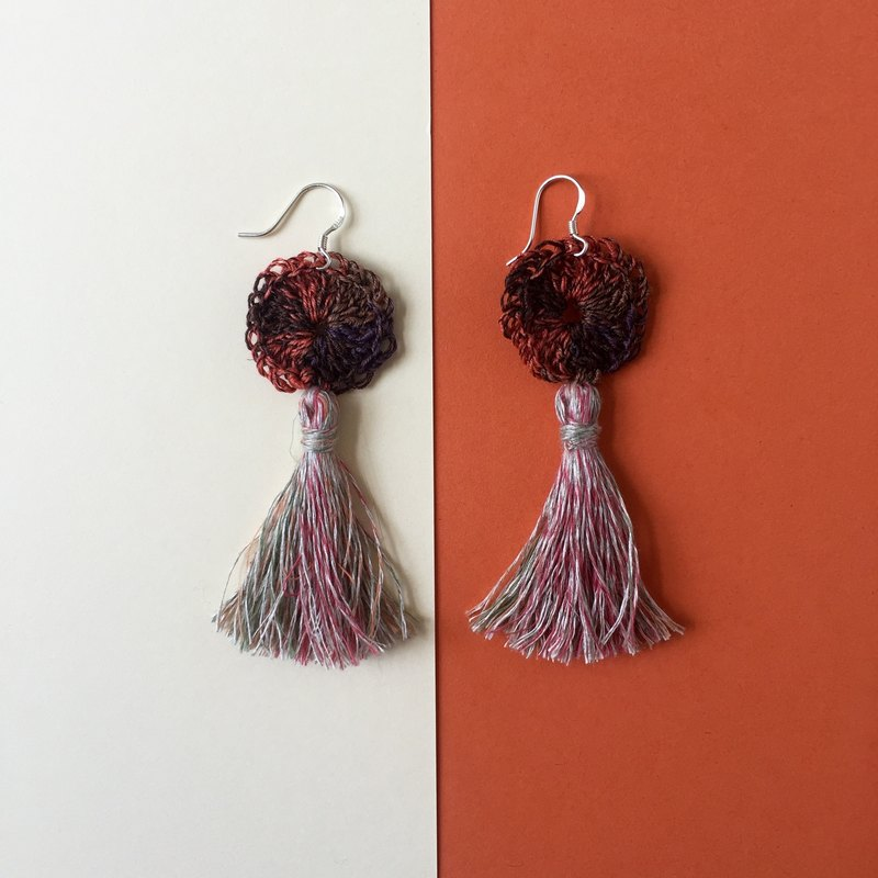 Handmade tassel earrings  |  Coral   |  Crochet circle