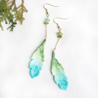 Handmade feather earrings (Green)