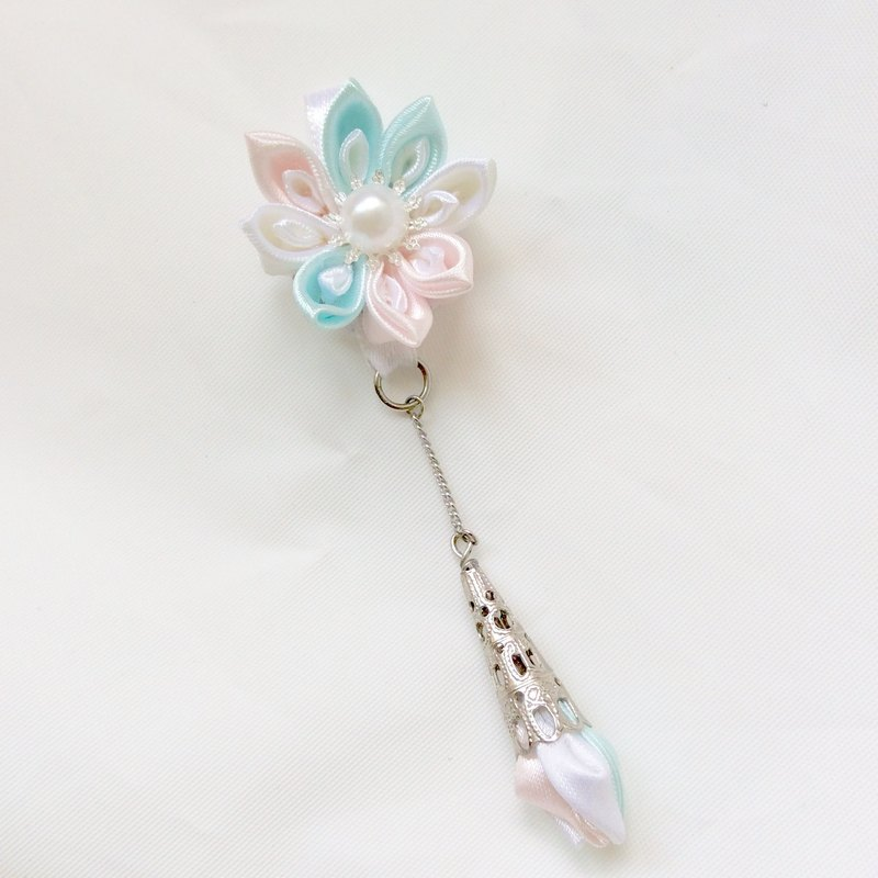 Kanzashi pink blue ribbon flower necklace