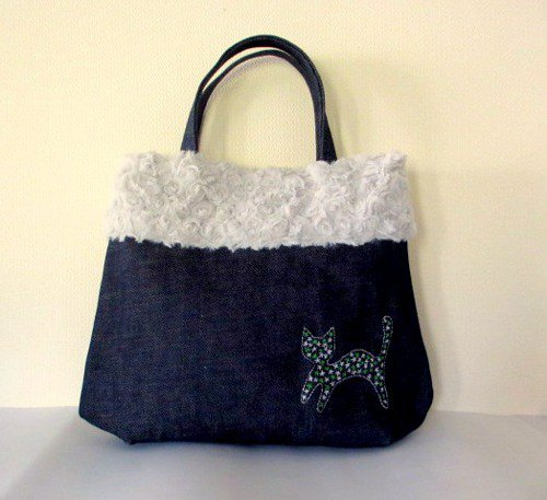 Denim and fur cat embroidery bag * silver cat green