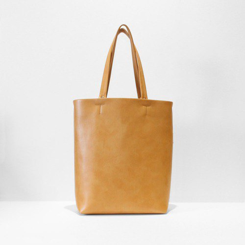 Ultra-lightweight · A4 size into the tote bag · flap with invisible inside