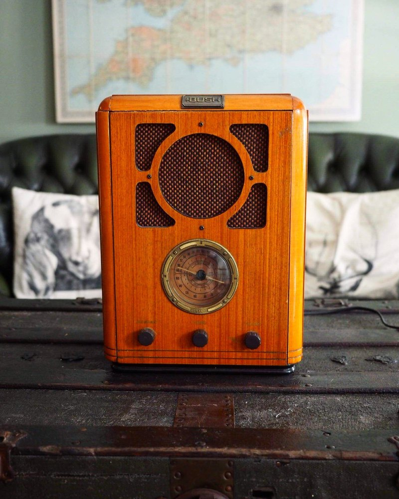 British 1980s light wood vertical radio
