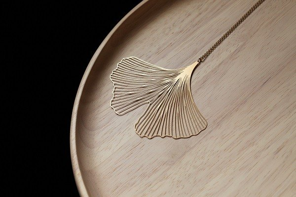 Jin Yinxing necklace Gold Ginkgo Pendant (L)