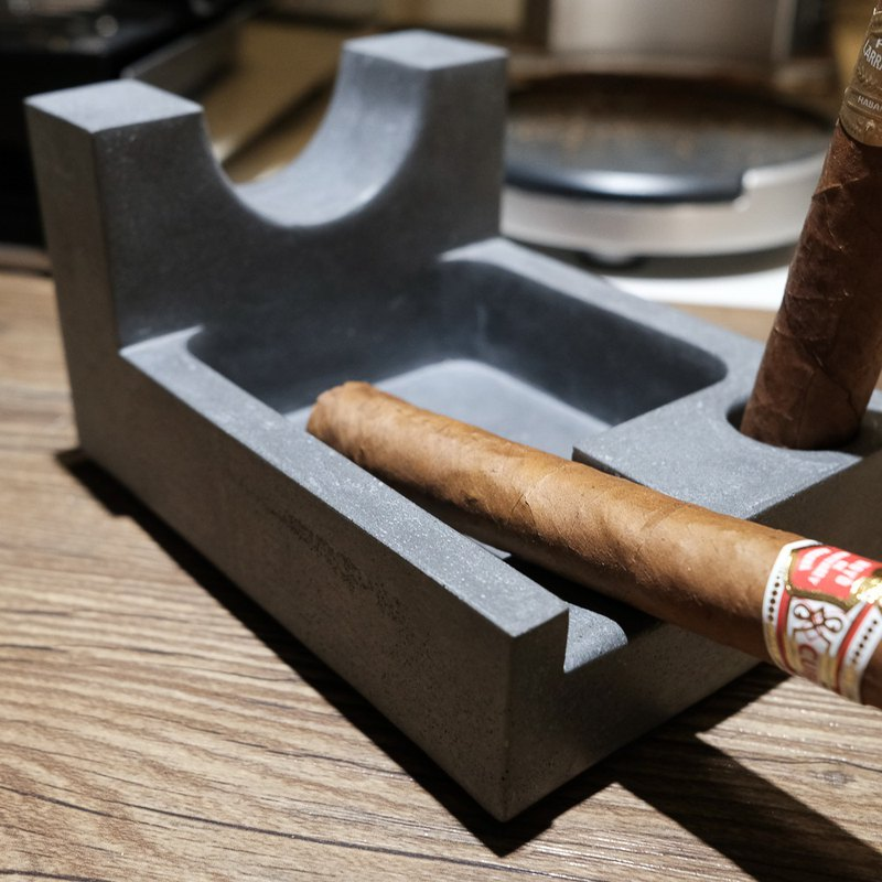 Odd remember. Cement ashtray - cigar only