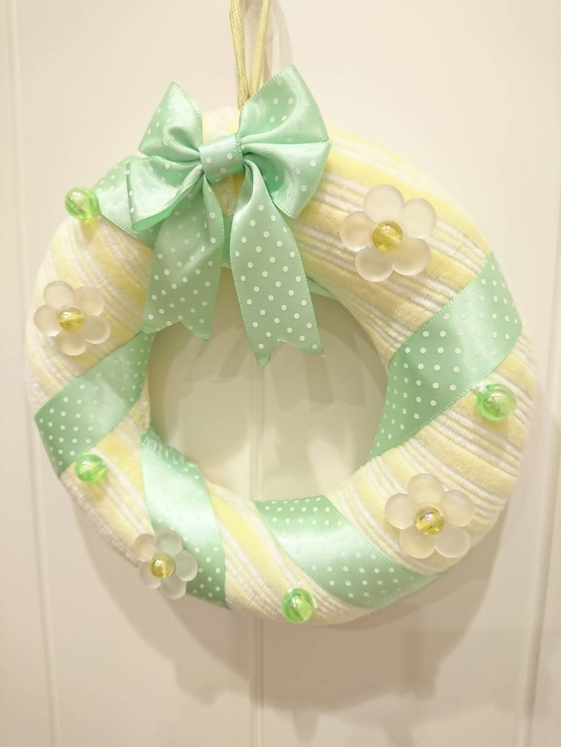 Dream Carrot handmade wreaths (yellow and white striped green ribbons)