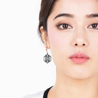 Turner's Diamond Earrings (Grey)  | Scaling Collection