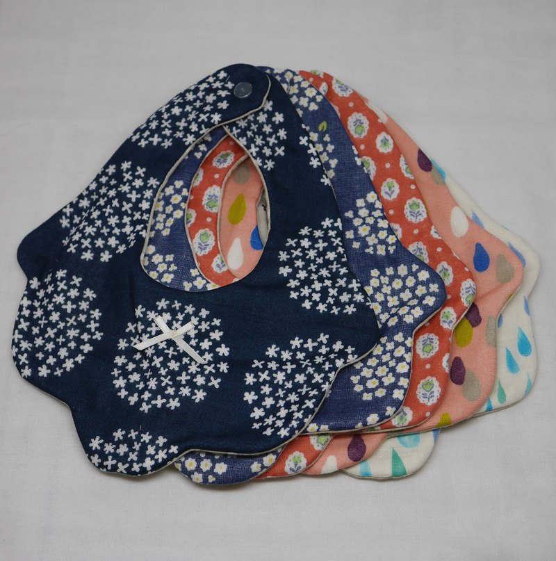 Goody bag   // 5 flower bibs in 1 unit