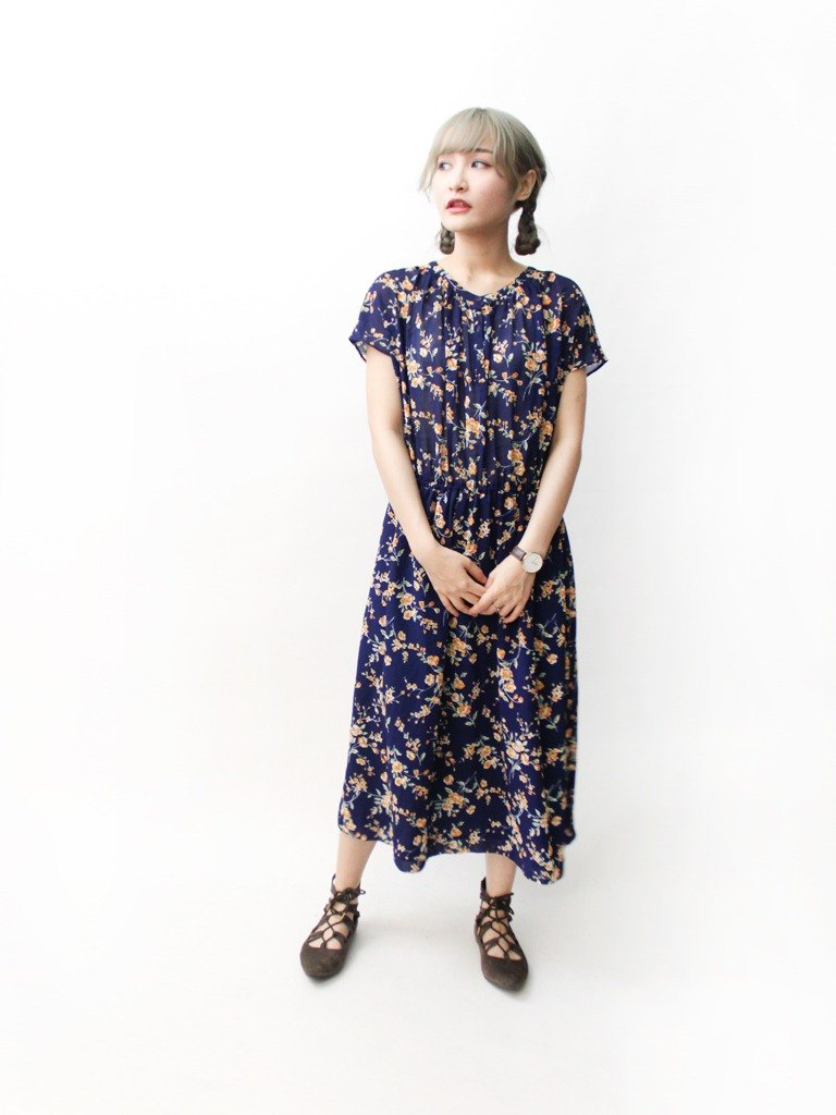 【RE0614D1234】 early summer Japanese system elegant retro floral deep blue fall shoulder short-sleeved ancient dress