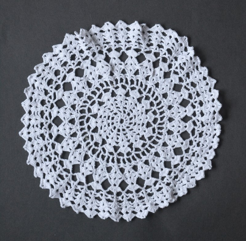German antique Knitting Lace J coaster / placemat / decorative mat