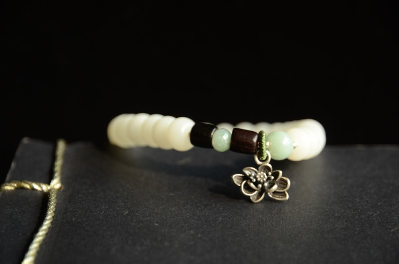 [customized breeze] white jade bead bracelet