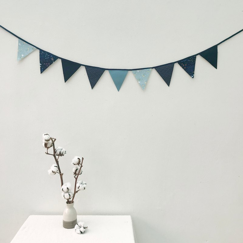 Dandelion pennant home decoration