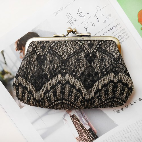 Baroque mouth gold bag picture bag / purse [Made in Taiwan]