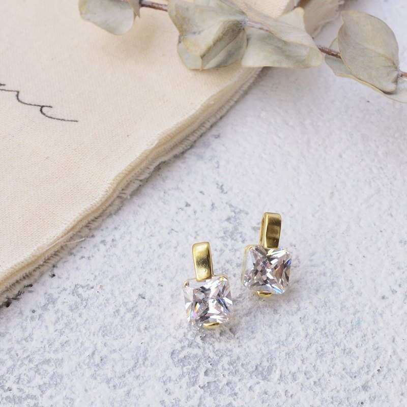 Handmade earrings in brass with zircon , square