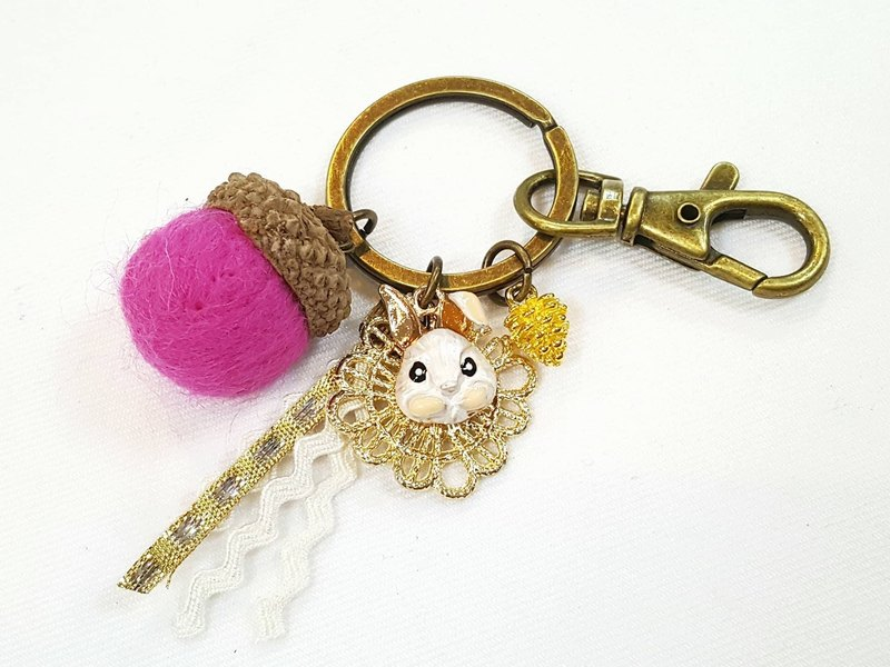 Paris*Le Bonheun. Happiness forest. Pink bunny. Wool felt acorn. Pine nuts key ring strap. Christmas present