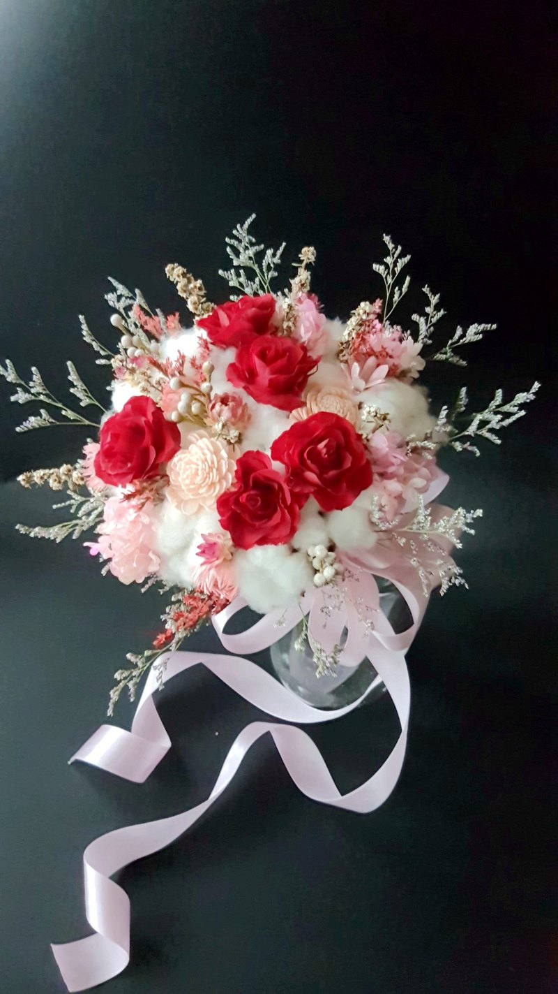 Haizang Design │ Carmen Lucia. Ruby dry flower without flower bouquet