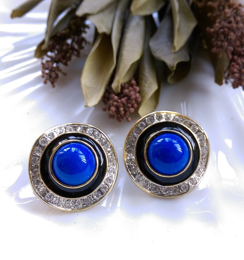 [Western antique jewelry / old age] classic atmospheric fashion clip earrings