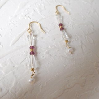 Package 14K hook-type garnet pearl earrings swaying