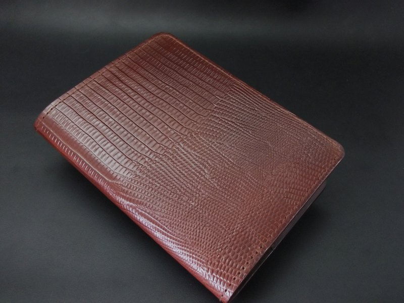 APEE leather manual ~ passport holder ~ lizard stripe ~ black-brown
