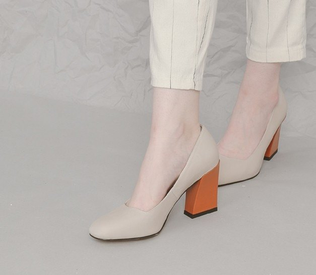 Retro girl round head rough high heels apricot orange
