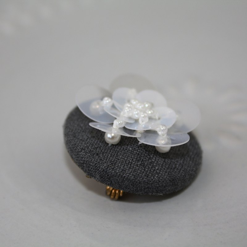 handmade white beaded floral brooch,  round flower pin