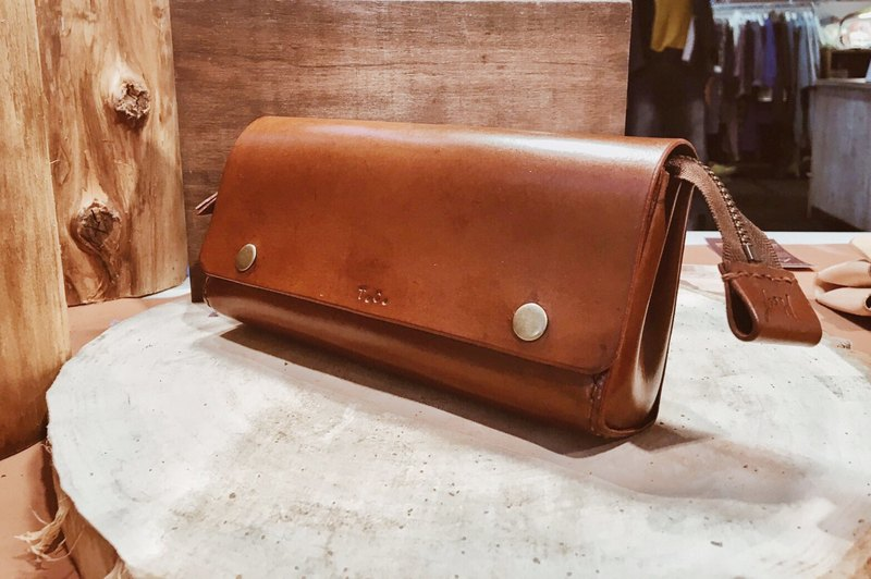 Handmade leather _ Pencil. Cosmetic bag. Storage bag