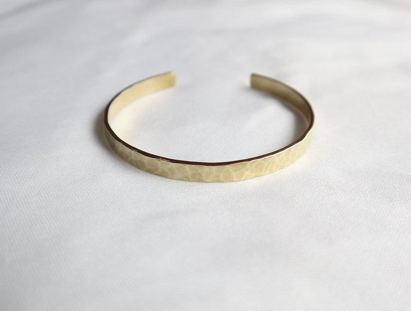 Ni.kou brass water ripple bracelet (wide version)