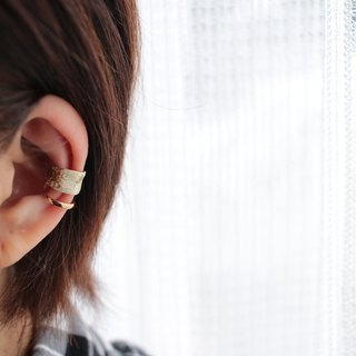 Ear Cuff using white gold Japanese paper