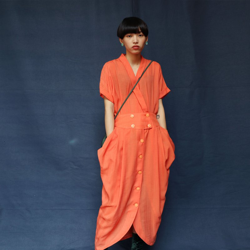 Pumpkin Vintage. Vintage Buckled Large Pocket Dress