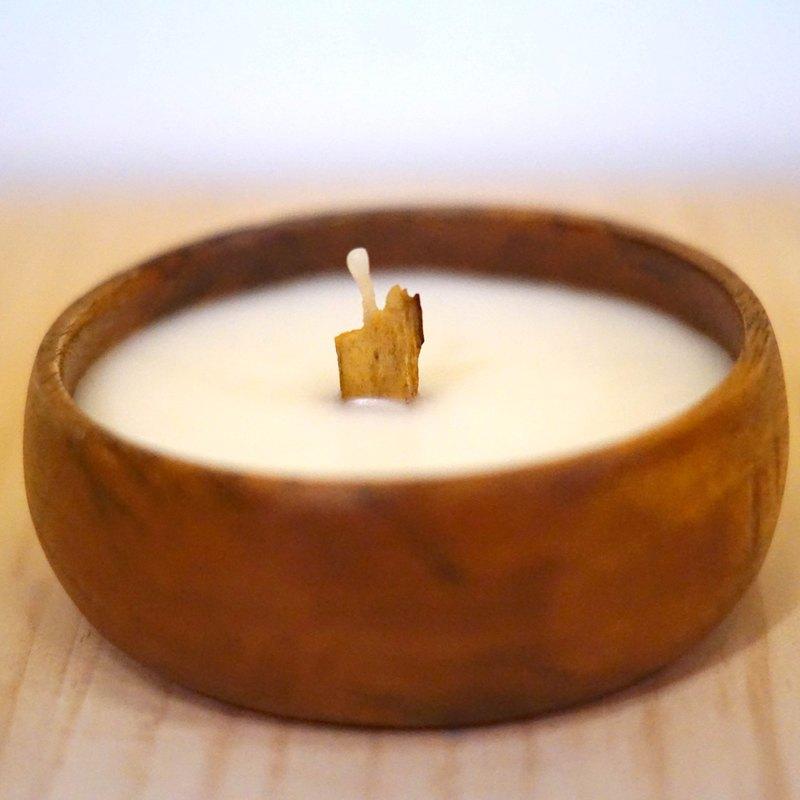 寂寞星球-聖木山終極淨化能量精油蠟燭