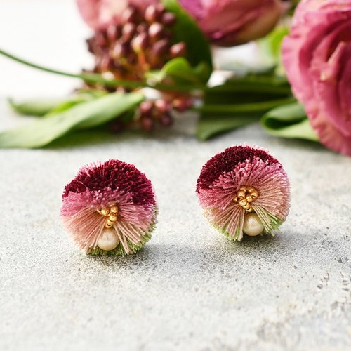 Pompon tassel earrings/Pink