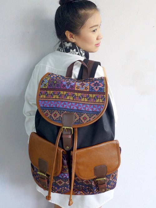 Backpack canvas striped bohemian clothes can have 3-5 day.