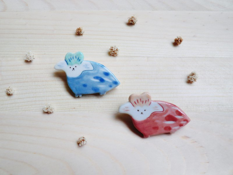 Little monster ceramic pin flower dog
