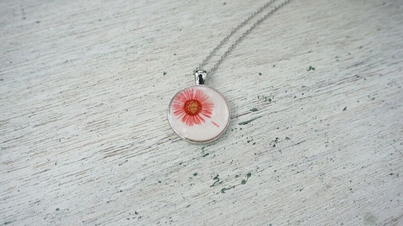 Real flower necklace - Petals