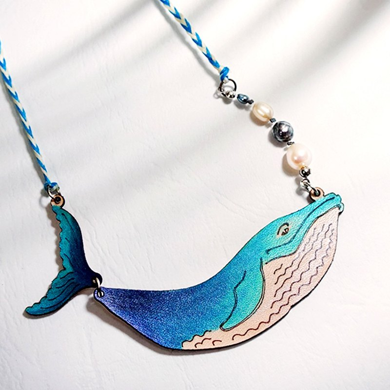 | Leather Jewelry | Ocean dreaming | Whale necklace |