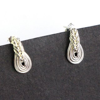 Knot rope note - the sound is lingering. 925 silver. (ear needle)