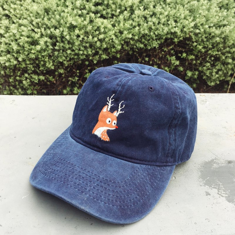 reindeer - blue navy cap / hand paint & hand embroidery