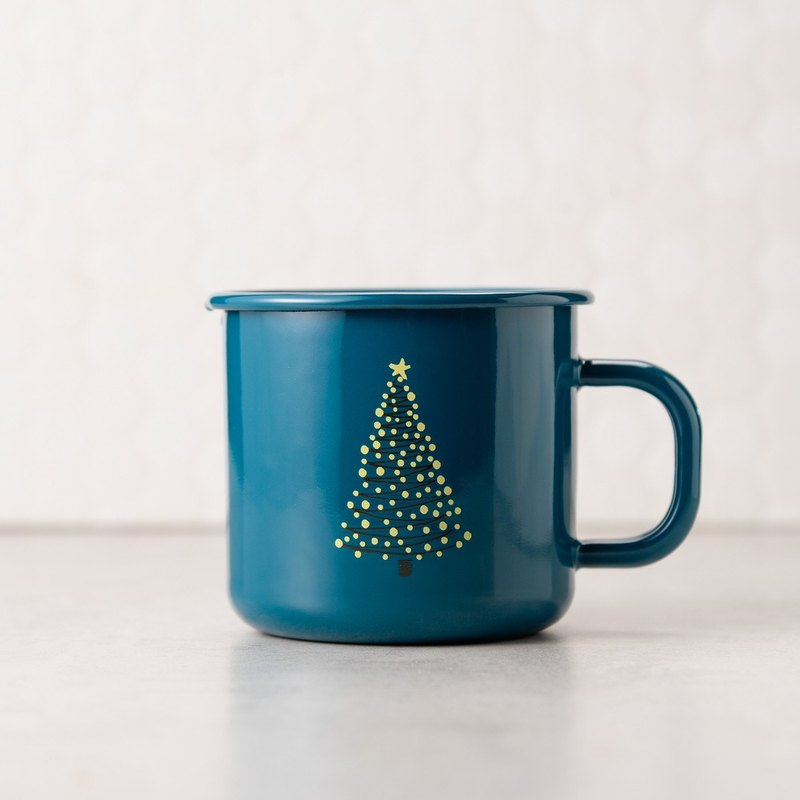 Light up the Christmas Cup