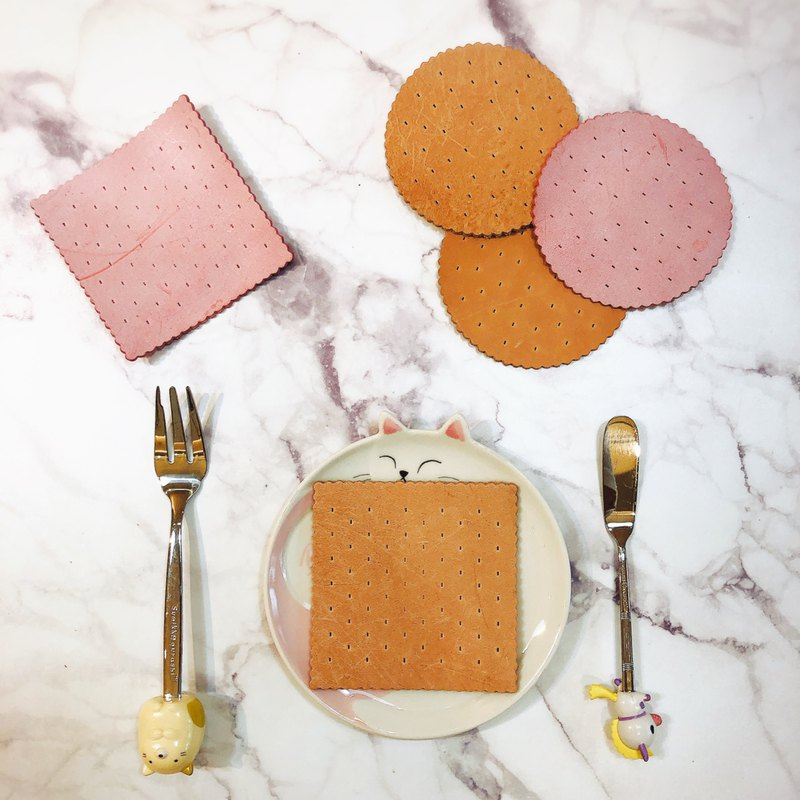 Original color vegetable tanned unique shape cowhide biscuit shape coaster potholder Christmas wedding small things