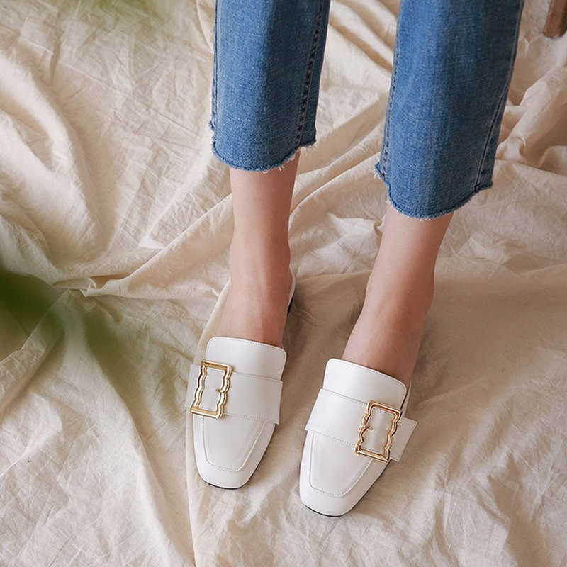 PRE-ORDER – MACMOC Bloaffer (WHITE) flats